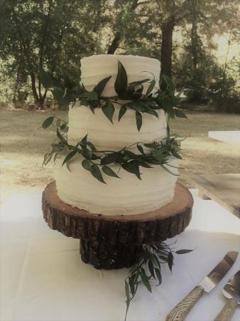 wedding cake- textured buttercream